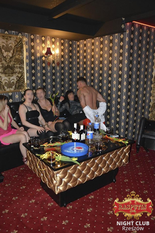 strip night clubs