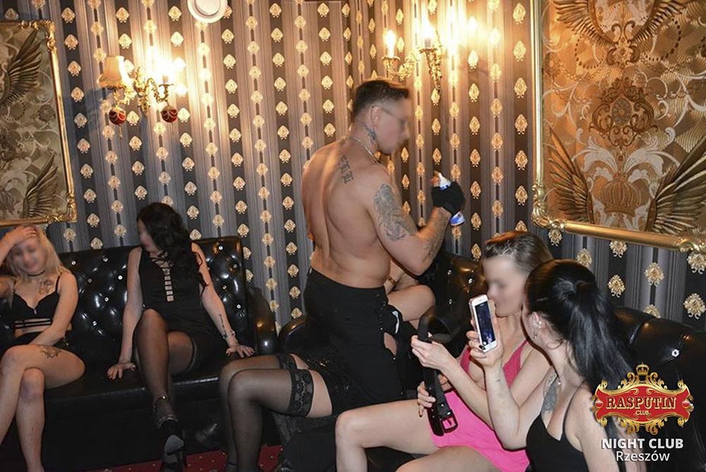 striptiz-w-klubie-nocnym-Polska